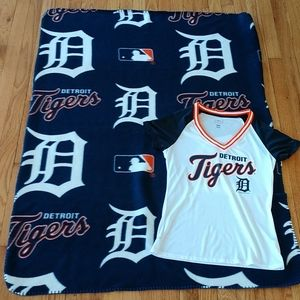Lot of Detroit tigers shirt and throw blanket